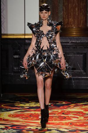 Показ  коллекции сезона Весна-лето 2013 года Haute couture - www.elle.ru - Подиум - фото 477484