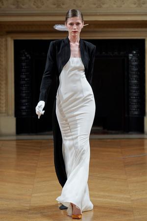Показ Alexis Mabille коллекции сезона Осень-зима 2011-2012 года haute couture - www.elle.ru - Подиум - фото 277044