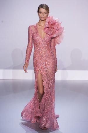 Показ Ralph & Russo коллекции сезона Весна-лето 2014 года Haute couture - www.elle.ru - Подиум - фото 575429