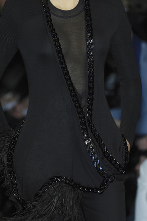 Показ Givenchy коллекции сезона Осень-зима 2009-2010 года prêt-à-porter - www.elle.ru - Подиум - фото 98392