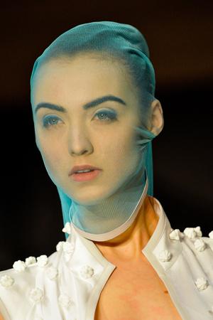Показ Atelier Gustavo Lins коллекции сезона Весна-лето 2013 года haute couture - www.elle.ru - Подиум - фото 480215