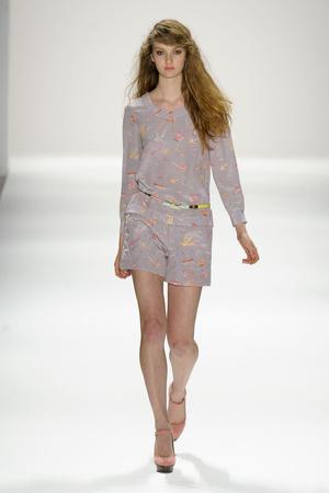 Показ Jill Stuart коллекции сезона Весна-лето 2012 года Prêt-à-porter - www.elle.ru - Подиум - фото 293094