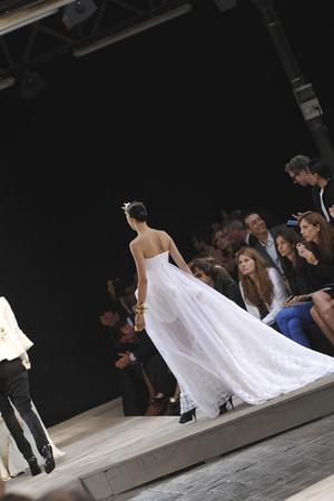 Показ Givenchy коллекции сезона Осень-зима 2009-2010 года Haute couture - www.elle.ru - Подиум - фото 87797