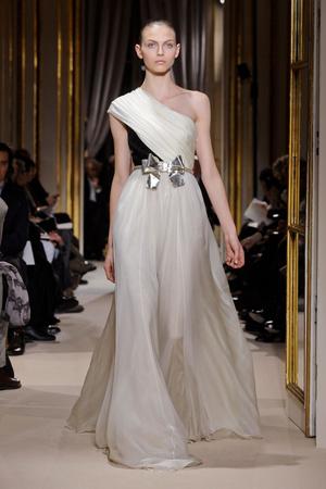 Показ Giambattista Valli коллекции сезона Весна-лето 2012 года Haute couture - www.elle.ru - Подиум - фото 330850