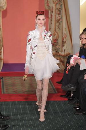 Показ Christian Lacroix коллекции сезона Весна-лето 2009 года haute couture - www.elle.ru - Подиум - фото 86458