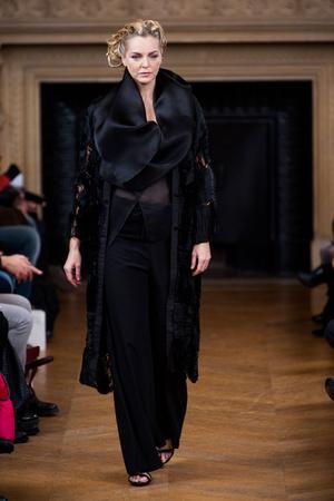 Показ Maurizio Galante коллекции сезона Весна-лето 2013 года haute couture - www.elle.ru - Подиум - фото 477135