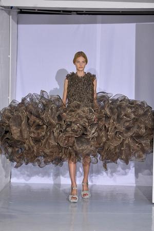 Показ  коллекции сезона Осень-зима 2011-2012 года Haute couture - www.elle.ru - Подиум - фото 276981
