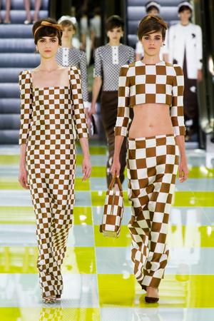 Показ Louis Vuitton коллекции сезона Весна-лето 2013 года prêt-à-porter - www.elle.ru - Подиум - фото 462668
