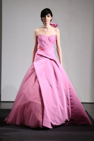 Показ Vera Wang коллекции сезона Осень 2014 года Bridal - www.elle.ru - Подиум - фото 575521