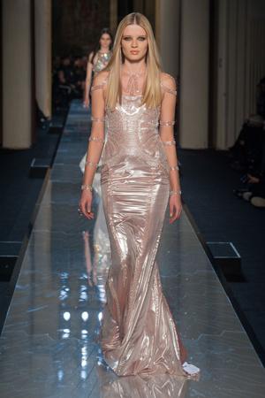 Показ Atelier Versace коллекции сезона Весна-лето 2014 года Haute couture - www.elle.ru - Подиум - фото 574008