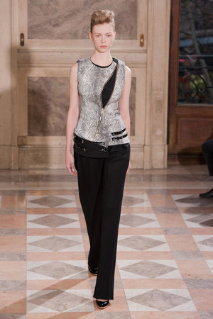 Показ Bouchra Jarrar коллекции сезона Весна-лето 2014 года haute couture - www.elle.ru - Подиум - фото 574675