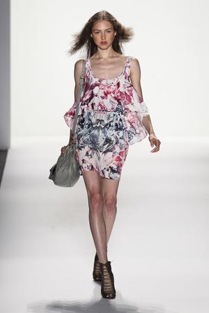 Показ Rebecca Minkoff коллекции сезона Весна-лето 2012 года prêt-à-porter - www.elle.ru - Подиум - фото 295089