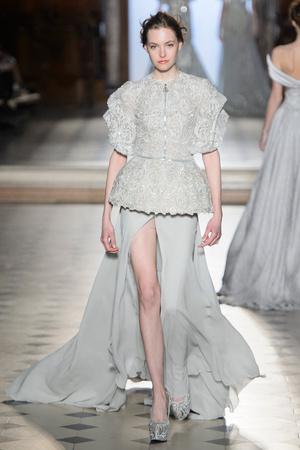 Показ Tony Ward коллекции сезона Весна-лето  2017 года Haute couture - www.elle.ru - Подиум - фото 616386