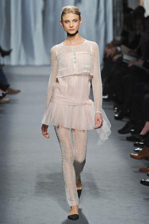 Показ  коллекции сезона Весна-лето 2011 года haute couture - www.elle.ru - Подиум - фото 215711