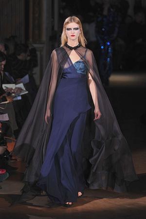 Показ Givenchy коллекции сезона Весна-лето 2010 года haute couture - www.elle.ru - Подиум - фото 138532