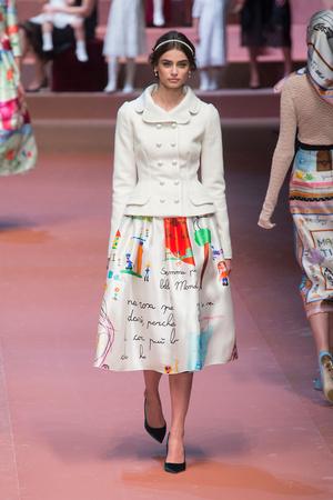 Показ Dolce & Gabbana коллекции сезона Осень-зима 2015-2016 года Prêt-à-porter - www.elle.ru - Подиум - фото 594884