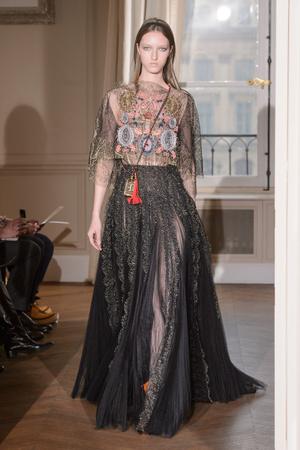 Показ Schiaparelli коллекции сезона Весна-лето  2017 года haute couture - www.elle.ru - Подиум - фото 616356