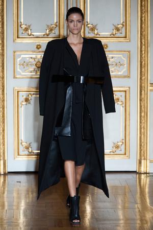 Показ Rad Hourani коллекции сезона Весна-лето 2014 года Haute couture - www.elle.ru - Подиум - фото 575268