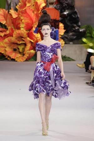 Показ Christian Dior коллекции сезона Осень-зима 2010-2011 года Haute couture - www.elle.ru - Подиум - фото 167447