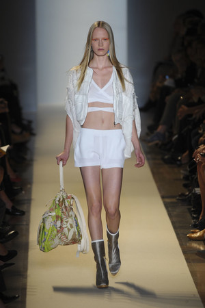 Показ Vanessa Bruno коллекции сезона Весна-лето 2011 года prêt-à-porter - www.elle.ru - Подиум - фото 189999