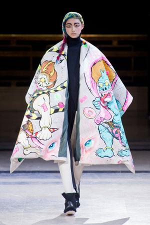Показ Yohji Yamamoto коллекции сезона Осень-зима 2014-2015 года prêt-à-porter - www.elle.ru - Подиум - фото 582604
