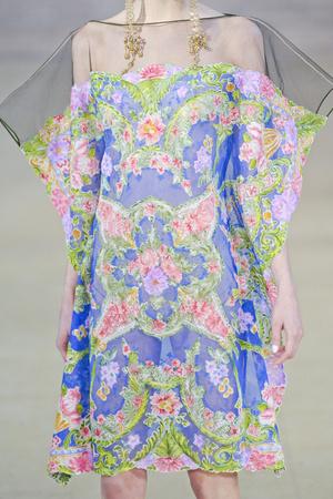 Показ Alexis Mabille коллекции сезона Весна-лето 2011 года haute couture - www.elle.ru - Подиум - фото 215071