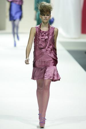 Показ Moschino коллекции сезона Весна-лето 2009 года prêt-à-porter - www.elle.ru - Подиум - фото 83121
