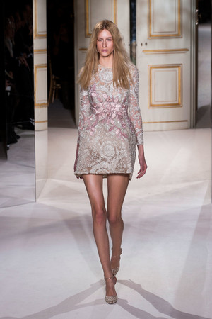 Показ Giambattista Valli коллекции сезона Весна-лето 2013 года haute couture - www.elle.ru - Подиум - фото 477864