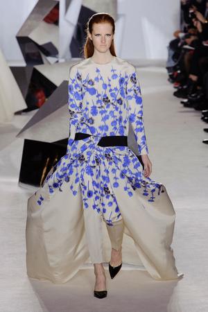 Показ Giambattista Valli коллекции сезона Весна-лето 2014 года Haute couture - www.elle.ru - Подиум - фото 574304