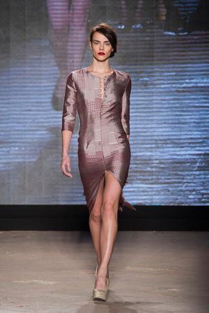 Показ New upcoming designers коллекции сезона Осень-зима 2014-2015 года prêt-à-porter - www.elle.ru - Подиум - фото 581359