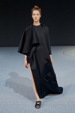Показ Viktor & Rolf коллекции сезона Осень-зима 2013-2014 года Haute couture - www.elle.ru - Подиум - фото 556552