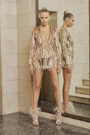 Показ Atelier Versace коллекции сезона Весна-лето  2017 года Haute couture - www.elle.ru - Подиум - фото 616877
