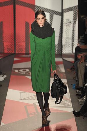 Показ DKNY коллекции сезона Осень-зима 2009-2010 года prêt-à-porter - www.elle.ru - Подиум - фото 90011