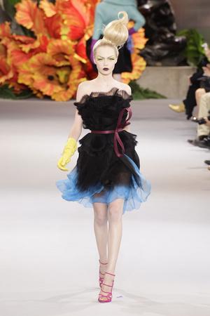 Показ Christian Dior коллекции сезона Осень-зима 2010-2011 года Haute couture - www.elle.ru - Подиум - фото 167451