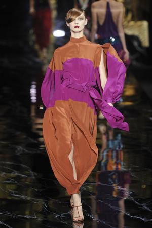 Показ Louis Vuitton коллекции сезона Весна-лето 2011 года prêt-à-porter - www.elle.ru - Подиум - фото 191044
