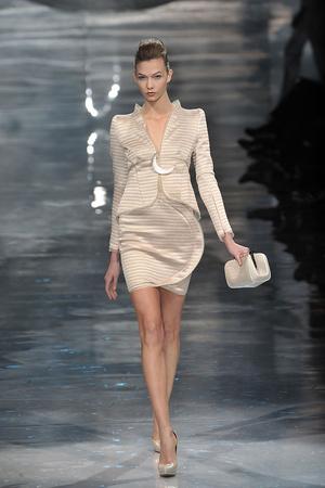 Показ Armani Prive коллекции сезона Весна-лето 2010 года Haute couture - www.elle.ru - Подиум - фото 138163