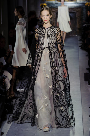 Показ Valentino коллекции сезона Весна-лето 2013 года Haute couture - www.elle.ru - Подиум - фото 480763