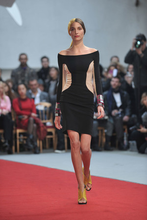 Показ Alexis Mabille коллекции сезона Весна-лето 2010 года haute couture - www.elle.ru - Подиум - фото 137904
