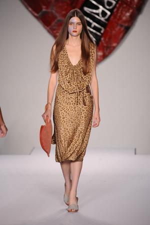 Показ Vivienne Westwood Red Label коллекции сезона Весна-лето 2011 года prêt-à-porter - www.elle.ru - Подиум - фото 179915