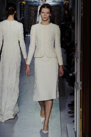 Показ Valentino коллекции сезона Весна-лето 2013 года Haute couture - www.elle.ru - Подиум - фото 480761