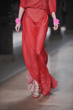 Показ Valentino коллекции сезона Весна-лето 2010 года Haute couture - www.elle.ru - Подиум - фото 139256