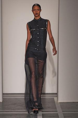 Показ Givenchy коллекции сезона Весна-лето 2011 года prêt-à-porter - www.elle.ru - Подиум - фото 188962