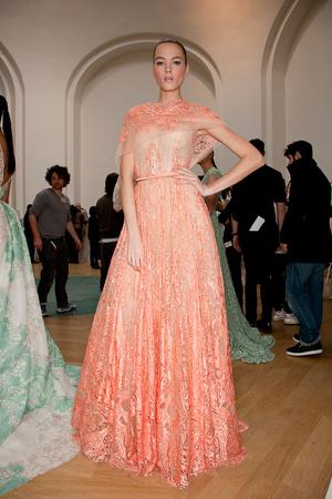 Показ Elie Saab коллекции сезона Весна-лето 2012 года haute couture - www.elle.ru - Подиум - фото 333002