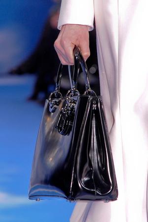 Показ Christian Dior коллекции сезона Осень-зима 2013-2014 года prêt-à-porter - www.elle.ru - Подиум - фото 542599