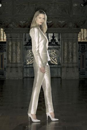 Показ Anne Valerie Hash коллекции сезона Весна-лето 2009 года Haute couture - www.elle.ru - Подиум - фото 86219