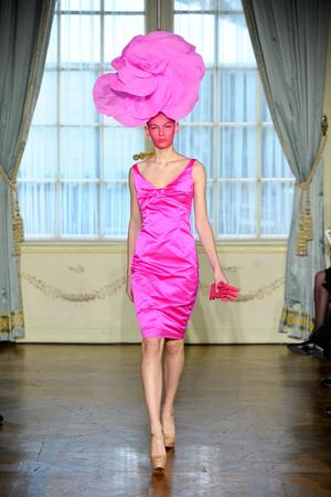 Показ Alexis Mabille коллекции сезона Весна-лето 2012 года Haute couture - www.elle.ru - Подиум - фото 330155