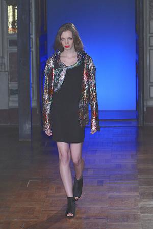 Показ Anne Valerie Hash коллекции сезона Весна-лето 2010 года haute couture - www.elle.ru - Подиум - фото 138019
