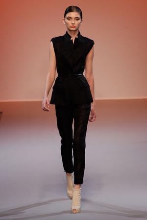 Показ Lefranc Ferrant коллекции сезона Осень-зима 2010-2011 года haute couture - www.elle.ru - Подиум - фото 168025