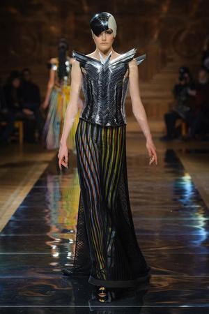 Показ Oscar Carvallo коллекции сезона Весна-лето 2014 года haute couture - www.elle.ru - Подиум - фото 574998