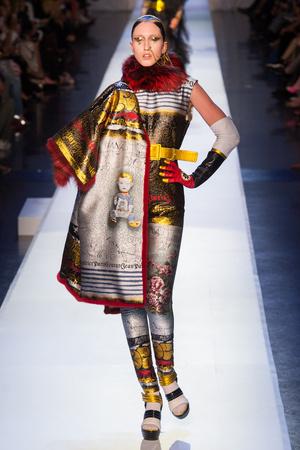 Показ Jean Paul Gaultier коллекции сезона Осень-зима 2017-2018 года Haute couture - www.elle.ru - Подиум - фото 624358